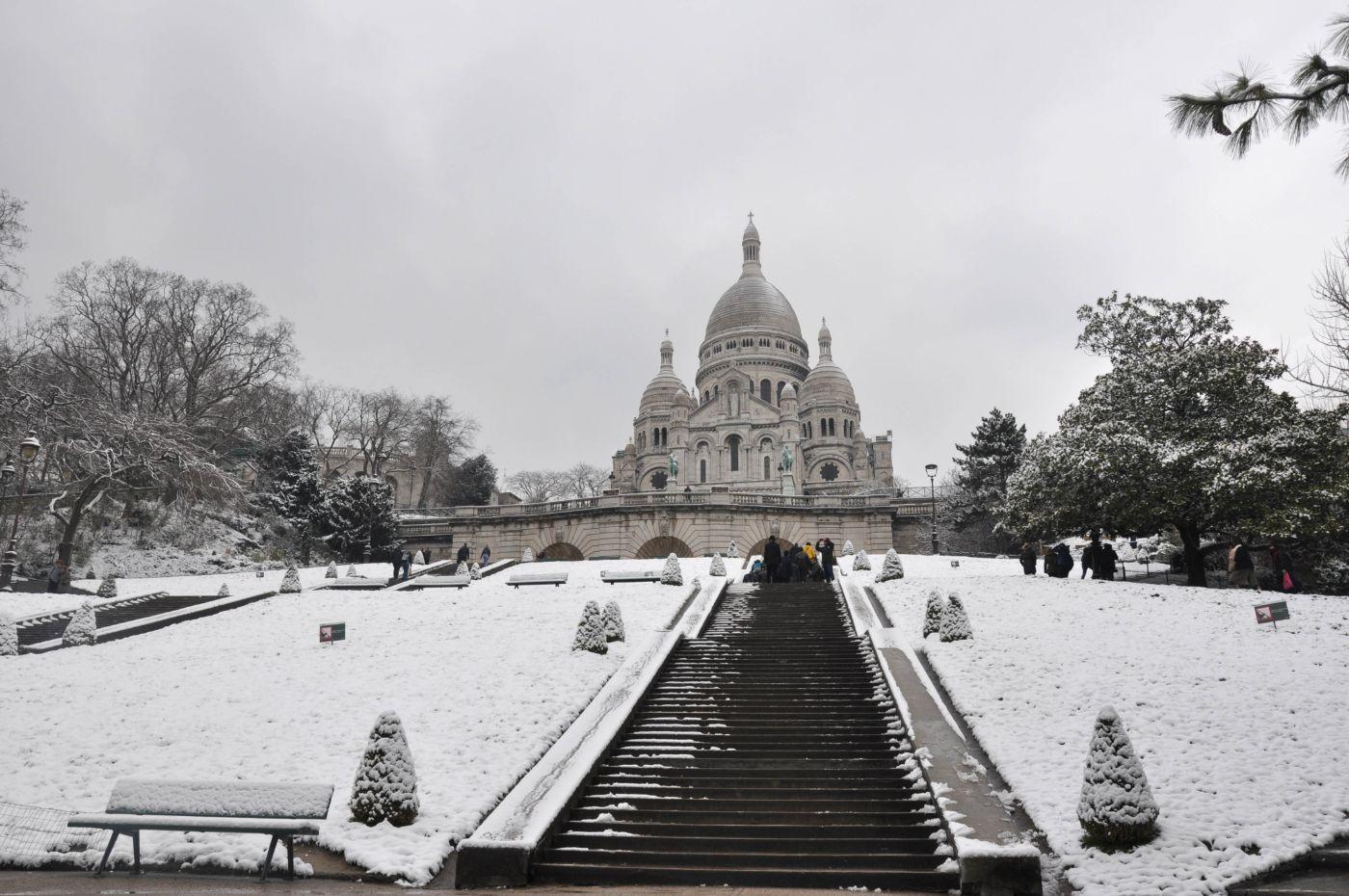 Basilique du Sacré Cœur sous la neige - Blog La Marinière en Voyage